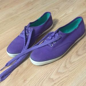 Keds size 6 purple shoe